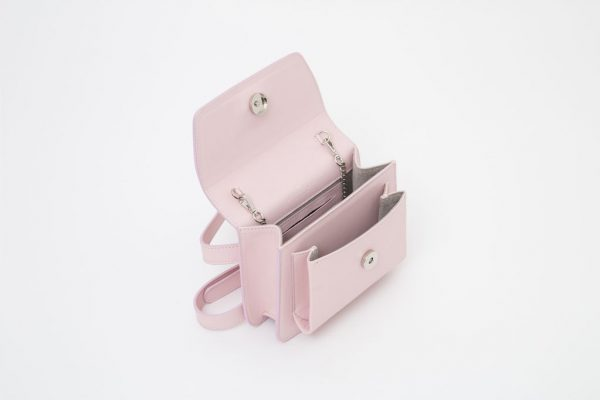 Borsa a spalla in pelle Monrob Nico rosa aperta